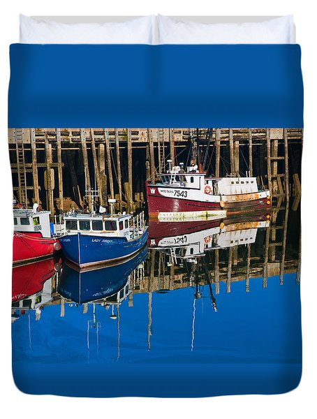 Boats And Reflections At Low Tide On Digby Bay Nova Scotia Duvet Cover