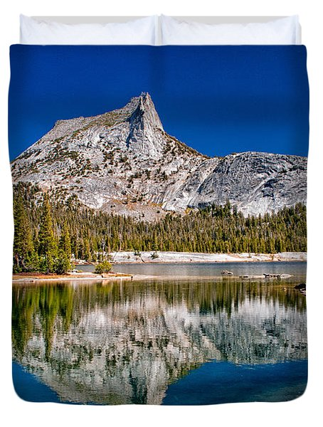 Lower Cathedral Lake Duvet Cover
