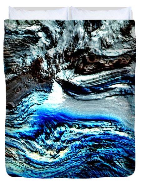 Duvet Cover featuring the digital art Lumenittoral by Richard Thomas