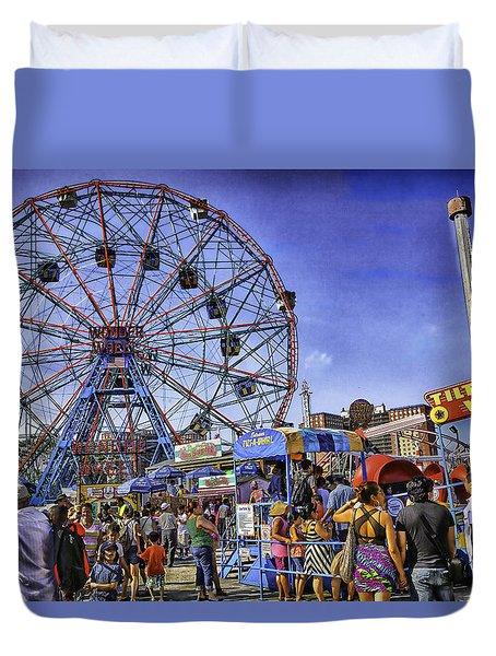 Luna Park 2013 - Coney Island - Brooklyn - New York Duvet Cover by Madeline Ellis