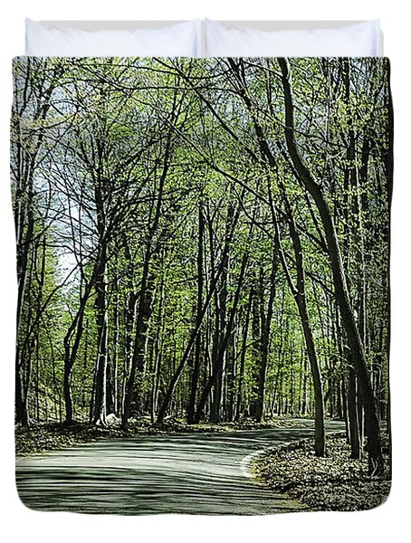 M119 Tunnel Of Trees Michigan Duvet Cover