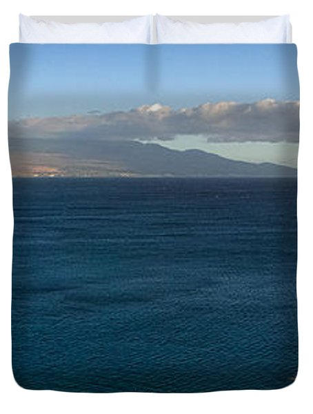 Duvet Cover featuring the photograph Maalea Bay Overlook   by Lars Lentz