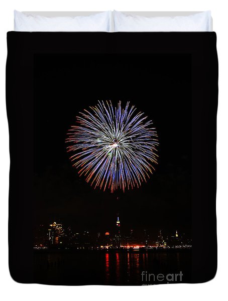 Fireworks Over The Empire State Building Duvet Cover by Nishanth Gopinathan