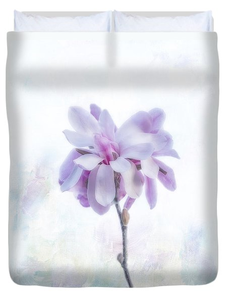 Duvet Cover featuring the photograph Maggie by Elaine Teague