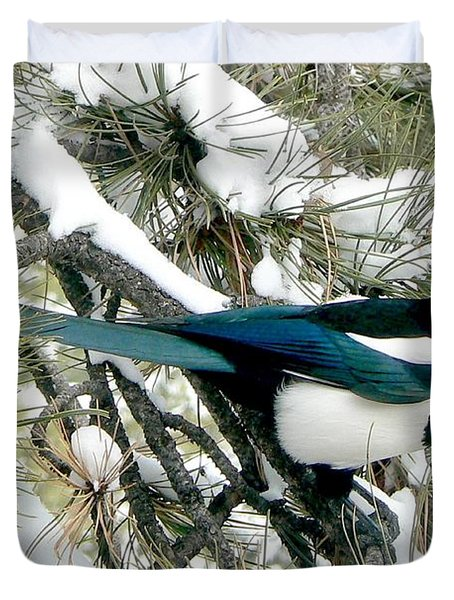 Magpie In The Snow Duvet Cover