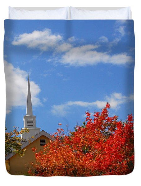 Duvet Cover featuring the photograph Majesty by Lynn Bauer