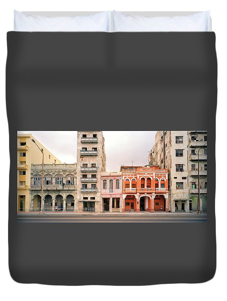 Malecon In Havana Duvet Cover