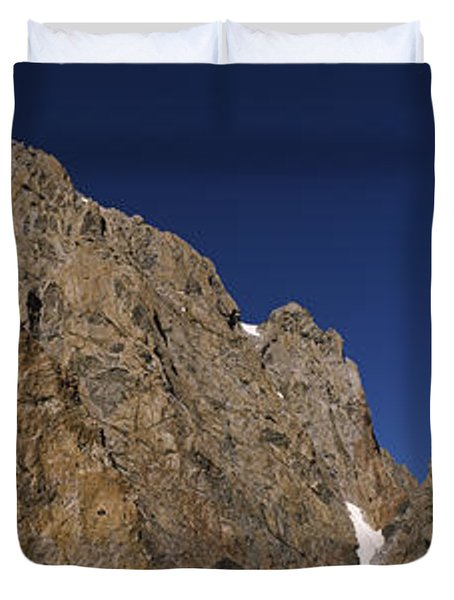 Man Climbing Up A Mountain, Grand Duvet Cover