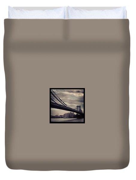 Manhattan Bridge In Ny Duvet Cover