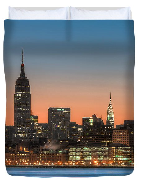 Manhattan Skyline And Pre-sunrise Sky I Duvet Cover