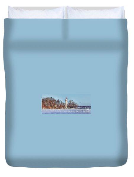 Marblehead Lighthouse In Winter Duvet Cover