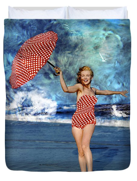 Marilyn Monroe - On The Beach Duvet Cover