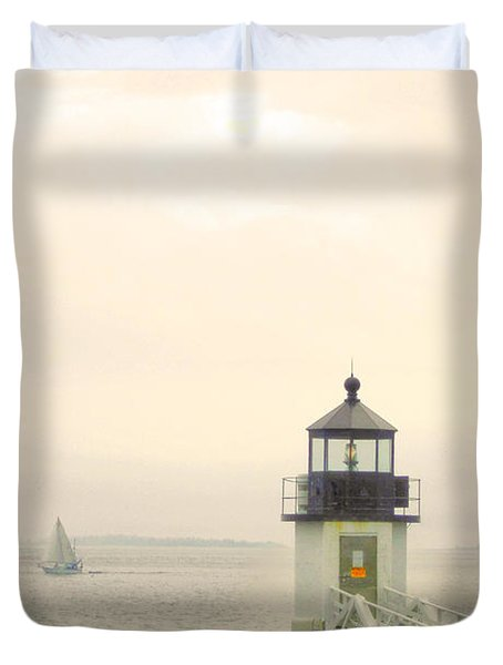 Marshall Point Lighthouse In Maine Duvet Cover