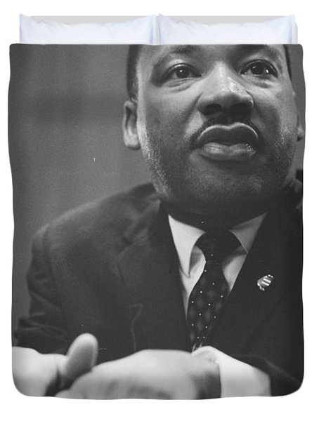 Martin Luther King Press Conference 1964 Duvet Cover by Anonymous