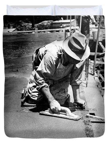Maryland Worker, 1936 Duvet Cover