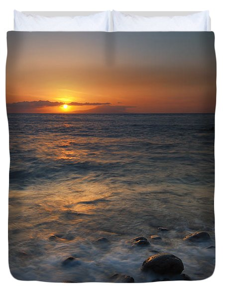 Maui On The Rocks Duvet Cover by Mike  Dawson