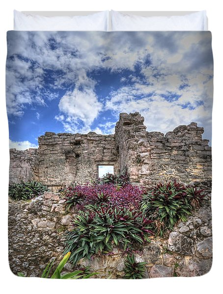 Duvet Cover featuring the photograph Mayan Ruin At Tulum by Jaki Miller