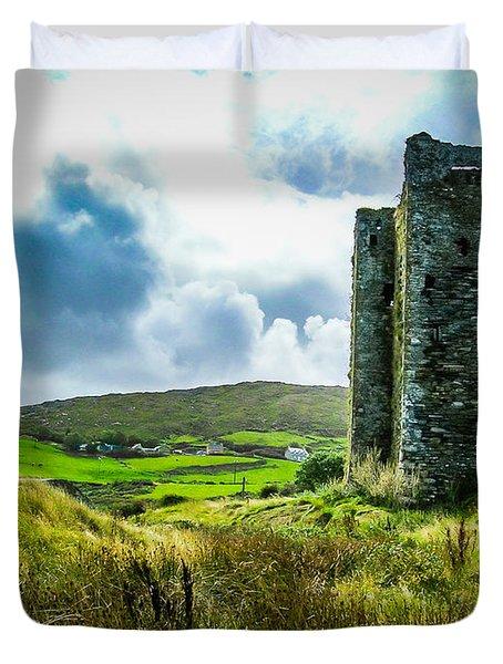 Medieval Dunmanus Castle On Ireland's Mizen Peninsula Duvet Cover