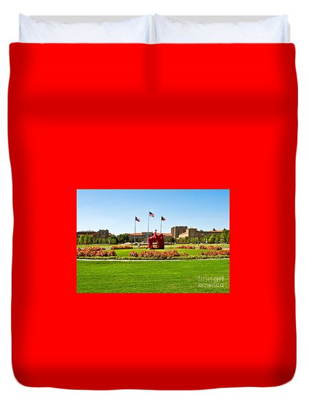 Duvet Cover featuring the photograph Memorial Circle by Mae Wertz