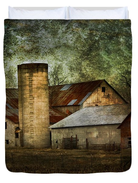 Mennonite Farm In Tennessee Usa Duvet Cover by Kathy Clark