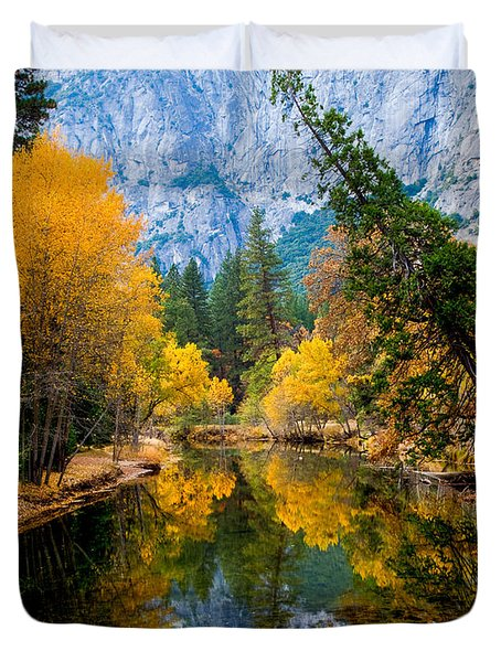 Merced River And Leaning Pine Duvet Cover