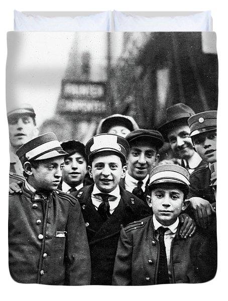 Messenger Strike, 1916 Duvet Cover