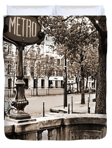 Metro Franklin Roosevelt - Paris - Vintage Sign And Streets Duvet Cover