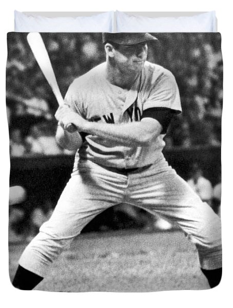 Mickey Mantle At Bat Duvet Cover by Underwood Archives