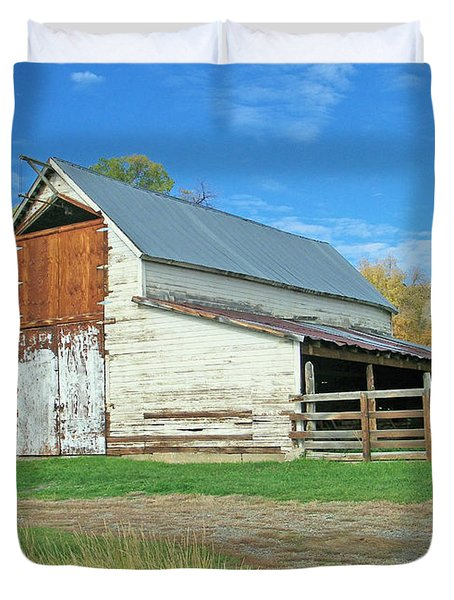 Midway Vintage Barn Hotchkiss Co Duvet Cover