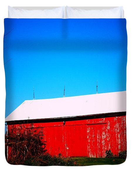 Milk House And Barn Duvet Cover