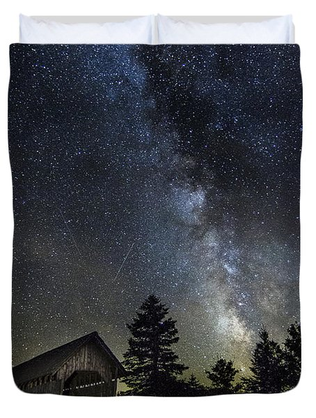 Milky Way Over Foster Covered Bridge Duvet Cover by John Vose