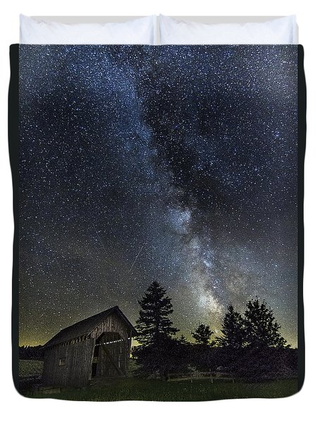 Milky Way Over Foster Covered Bridge Duvet Cover