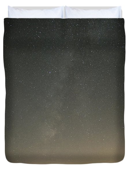 Milky Way Spills Into Conesus Duvet Cover by Richard Engelbrecht