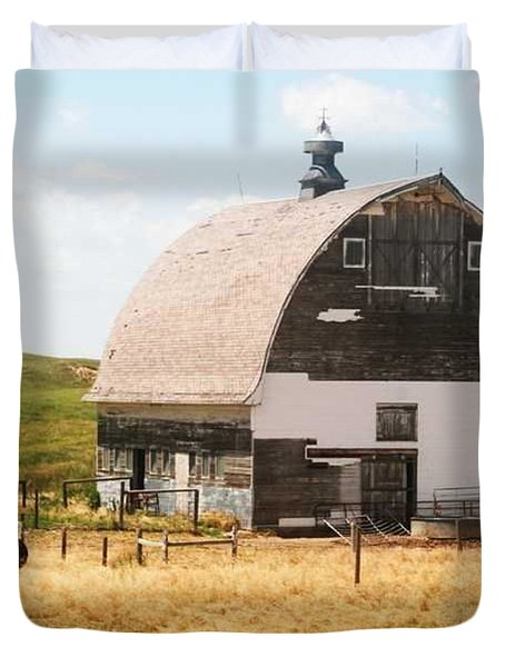 Minden Nebraska Old Farm And Barn Duvet Cover