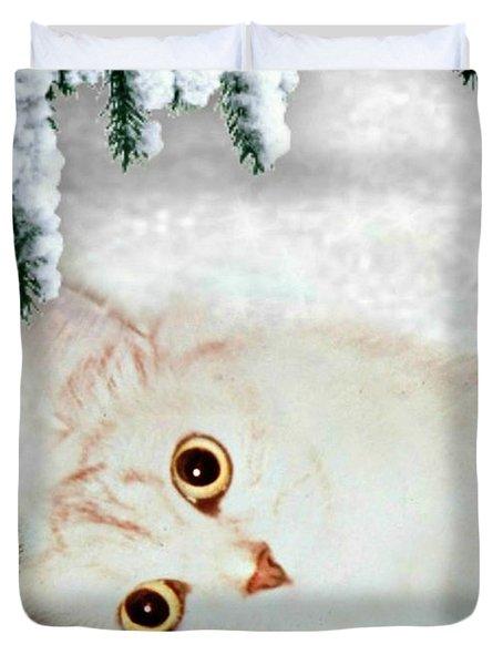 Mistletoe In The Snow Duvet Cover