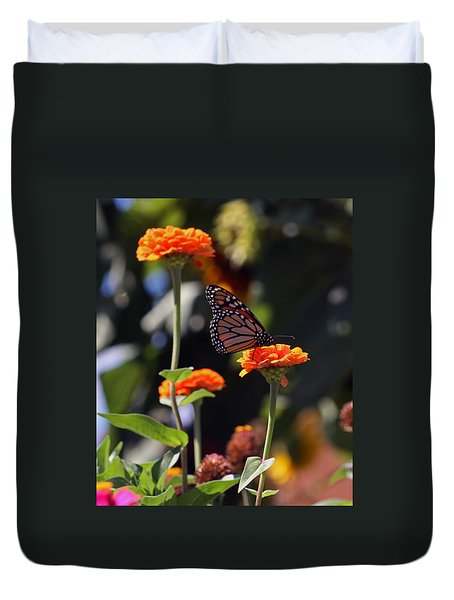 Monarch Butterfly And Orange Zinnias Duvet Cover