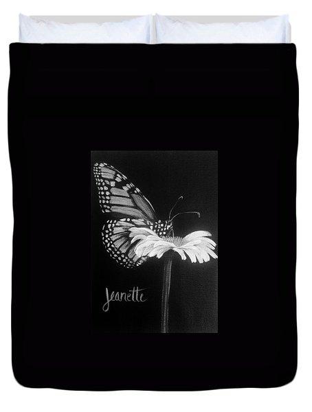 Monarch On A Daisy Duvet Cover