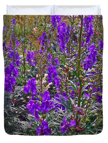 Monkshood In Rocky Harbour-nl Duvet Cover