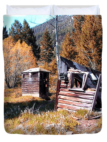 Montana Outhouse 01 Duvet Cover by Thomas Woolworth