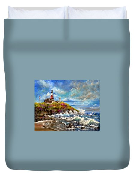 Duvet Cover featuring the painting Montauk Lighthouse by Patrice Torrillo