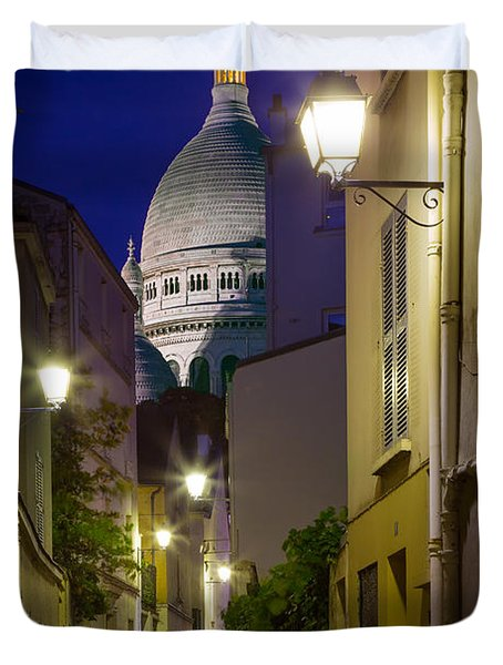 Montmartre Street And Sacre Coeur Duvet Cover by Inge Johnsson