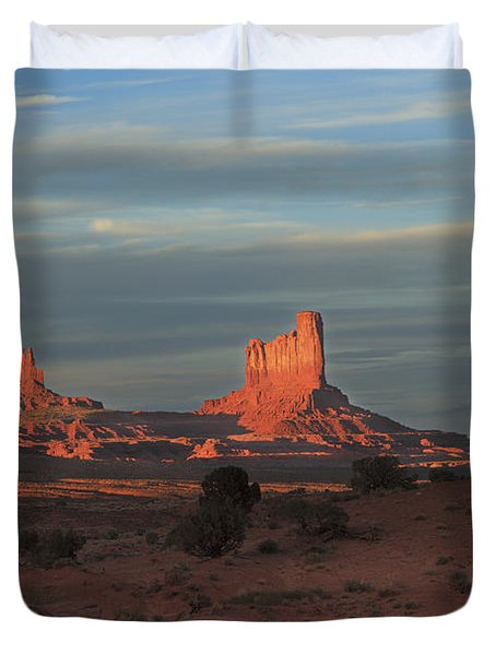 Duvet Cover featuring the photograph Monument Valley Sunset by Alan Vance Ley