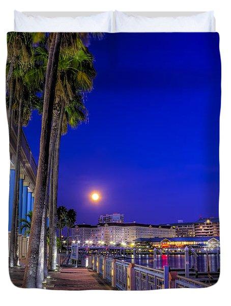 Moon Rise Over Harbor Island Duvet Cover