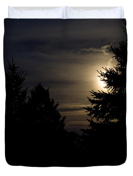 Moon Rising 02 Duvet Cover by Thomas Woolworth