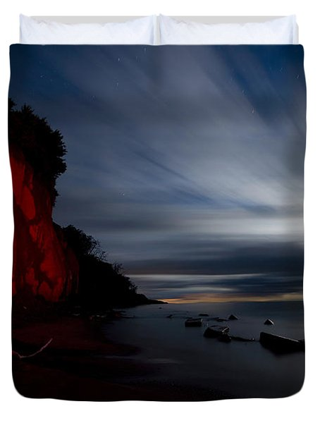 Moonrise At Clearville Beach Duvet Cover by Cale Best