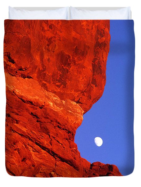Duvet Cover featuring the photograph Moonrise Balanced Rock Arches National Park Utah by Dave Welling