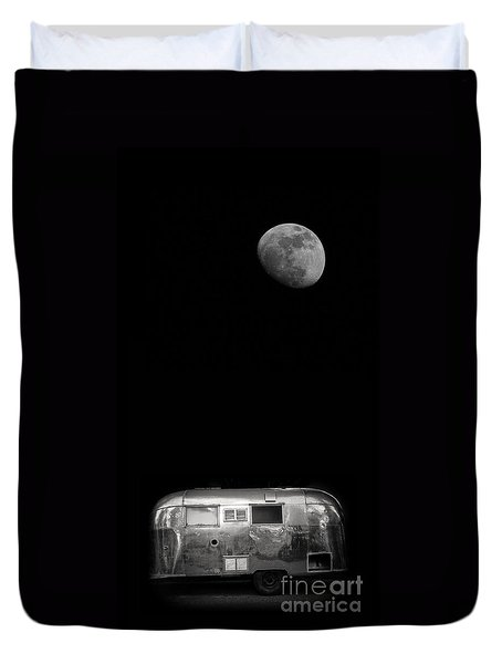 Moonrise Over Airstream Duvet Cover