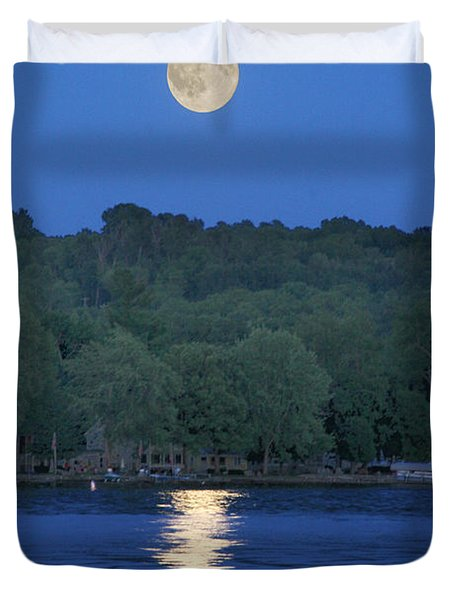 Reflections Of Luna Duvet Cover by Richard Engelbrecht