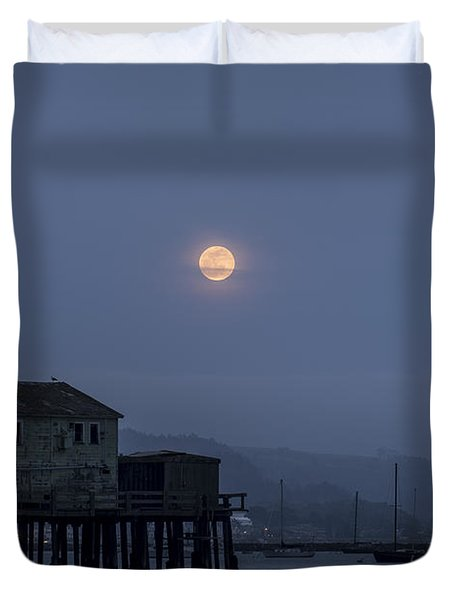 Moonrise Over The Harbor Duvet Cover
