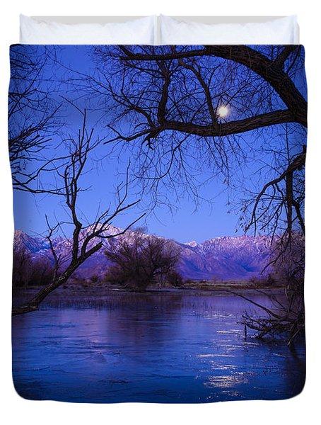 Moonset On Farmers Pond Duvet Cover